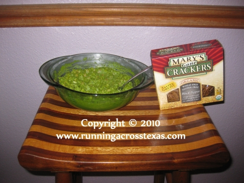 Hummus spinach dip is high in fiber and low fat